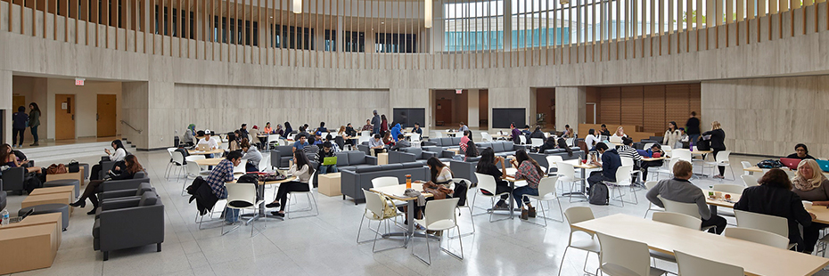 Students in Innovation Complex rotunda