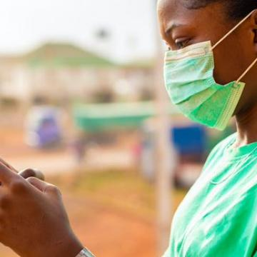 Image of the article 'In refugee camps, access to internet supports research during the coronavirus pandemic'