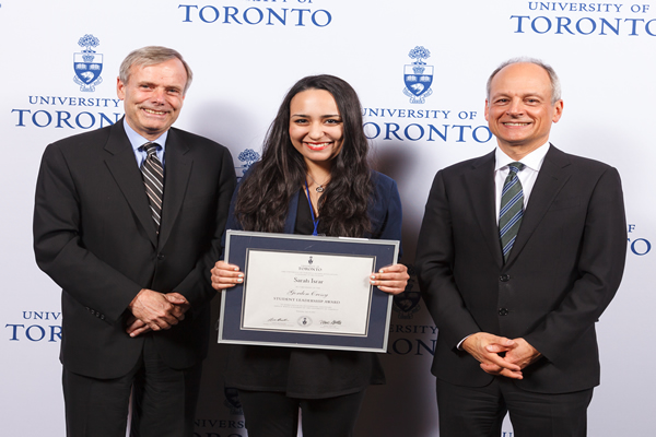 Sarah Israr, 2014 Gordon Cressy Award recipient poses with Gordon Cressy and U of T President Meric Gertler