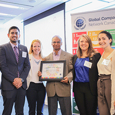 MScSM students and staff with the SDG Global Compact award