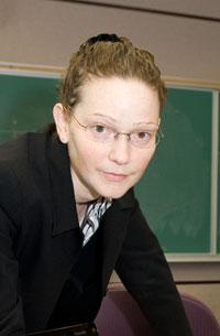 Image of Professor Lisa Kramer, in UTM's Department of Management
